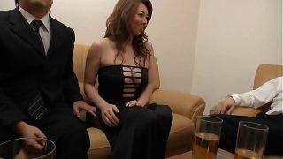 Молоденькая красавица джессика позирует на видеокамеру и демонстрирует сексуальное телешоу